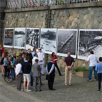 Zahájení výstavy fotografií z historie Primátorek