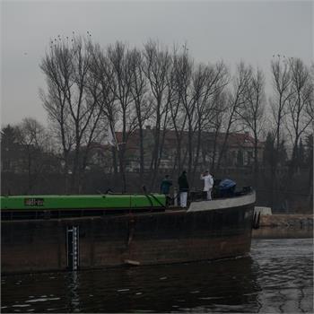 Vlečná loď Petra opět v Praze