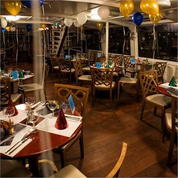 Silvestrovská výzdoba na Jazz Boat