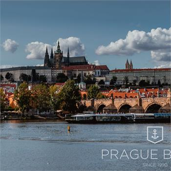 Grand Bohemia s panoramatem historické Prahy