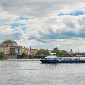 Grand Bohemia a Národní divadlo