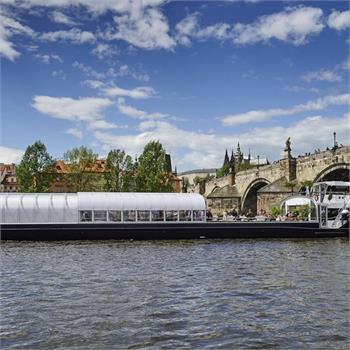 Bohemia Rhapsody u Karlova mostu