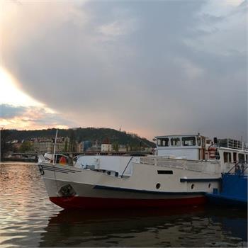 Loď Cecílie v přístavišti
