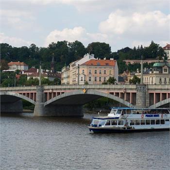 Loď Danubio na plavbě Prahou