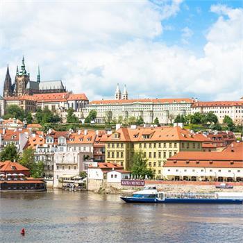 Grand Bohemia na plavbě Prahou