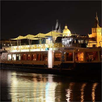 Loď Lužnice - večerní plavba