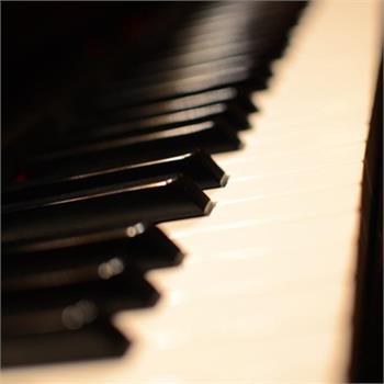 Vybavena pro živou hudbu