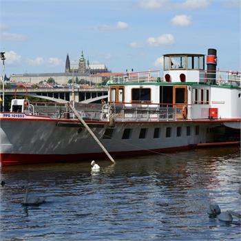 Parník Vltava na Náplavce