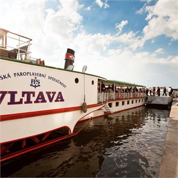 Historický parník Vltava