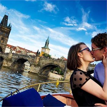 Romantická plavba Prahou
