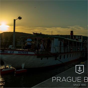 Parník Vltava v přístavišti
