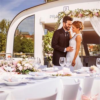 Romantická svatba na lodi