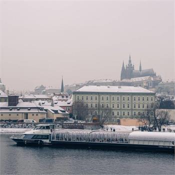 Zimní plavby Prahou