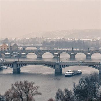 Plavba zasněženou Prahou