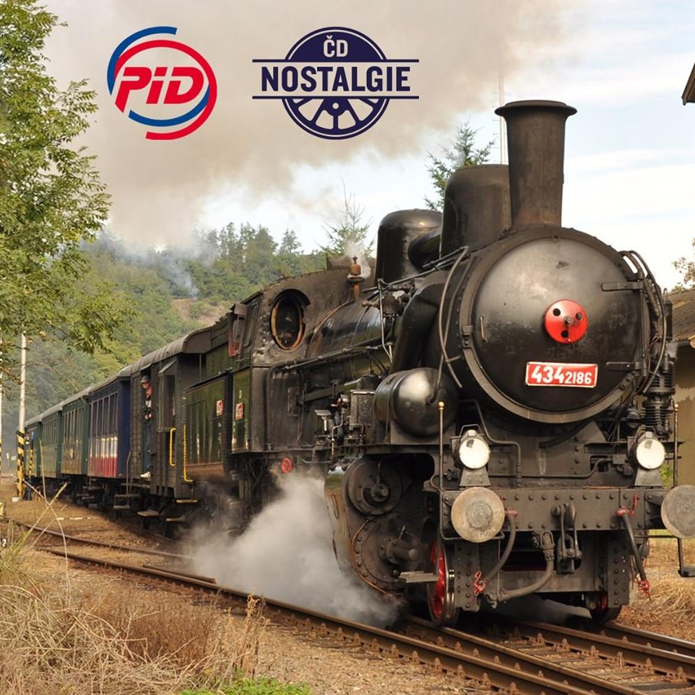 Historickým parníkem a vlakem do Davle