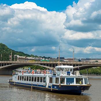 Hodinové plavby z Rašínova nábřeží ještě tento víkend
