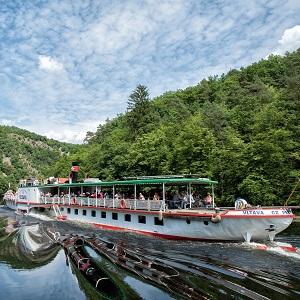 Oživte svůj firemní večírek plavbou na historickém parníku Vltava