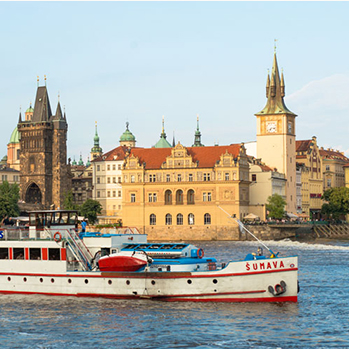 Slavnostní plavby parníků Vltava a Vyšehrad