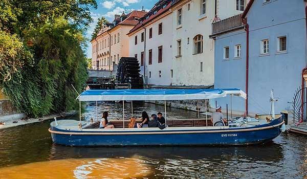 Loď Mistr Jan Hus