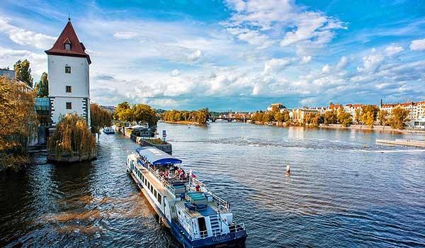Velká plavba Prahou