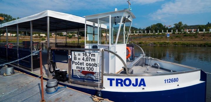 Loď Troja
