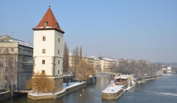 Petržilkovská vodárenská věž